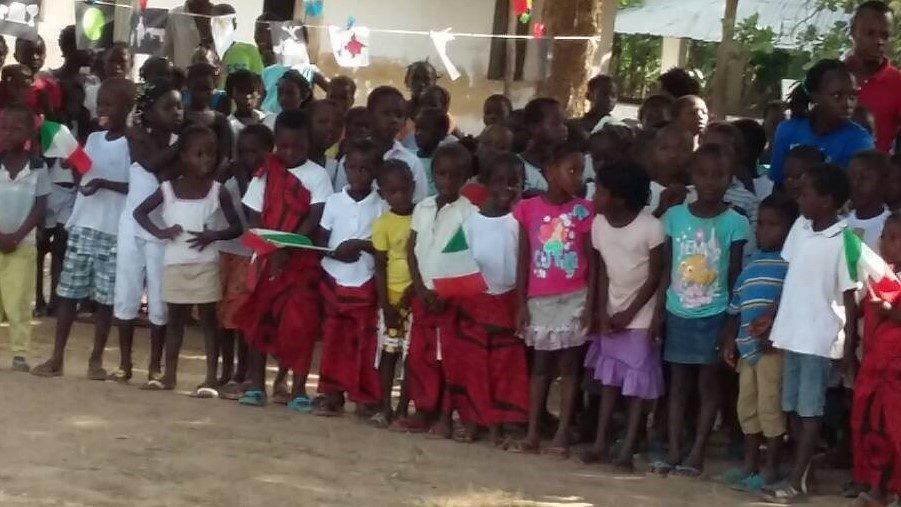 Momento cultural na escola de Dame, missão de Bissorã