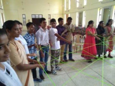 Giovani e Missione a Sahibabad – India