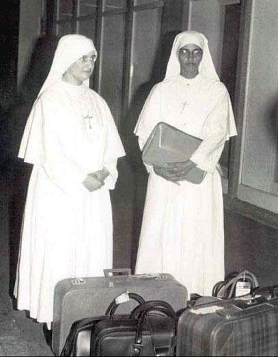 r. Theresa Pathickal e sr. Maddalena Piroddda