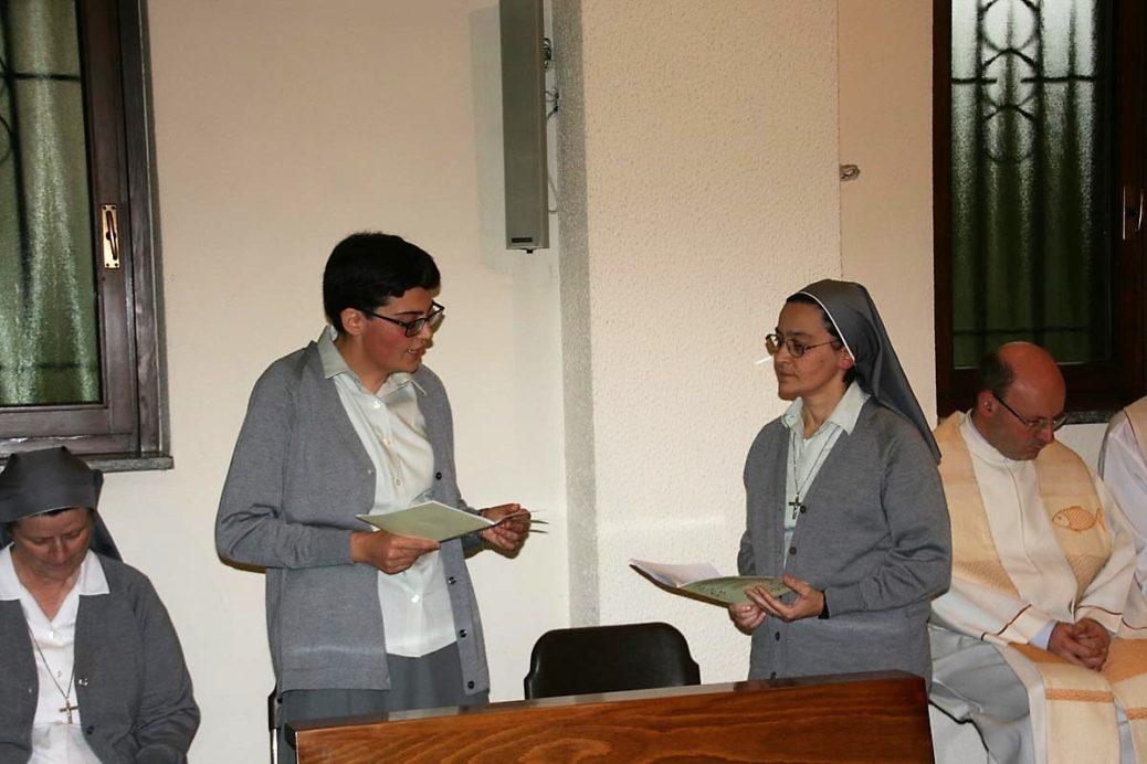 Prima Professione di sr. Francesca – Italia